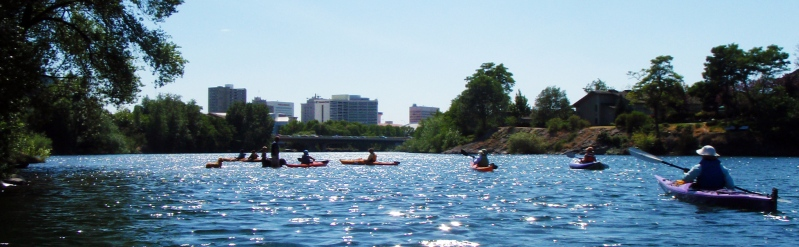 picture of people kayaking on the Spokane River