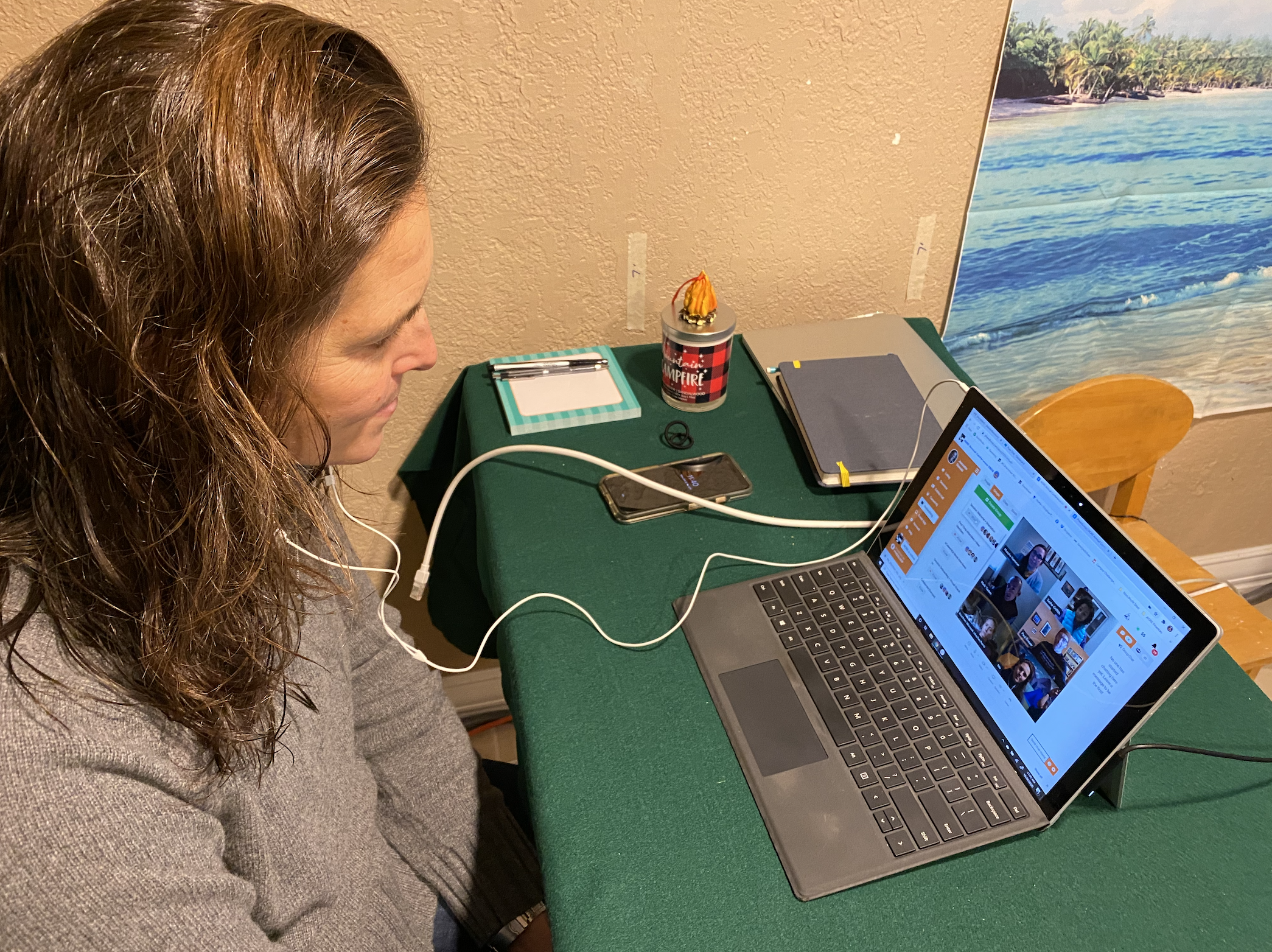 Jeannette Stawski video chats with conference attendees